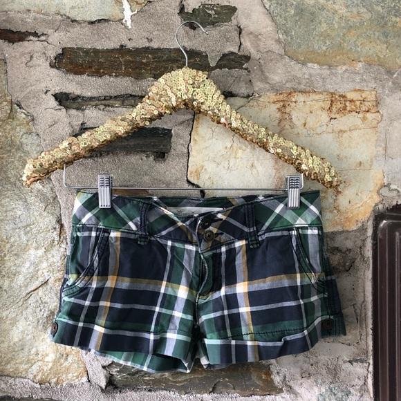 Hollister Green Plaid Shorts Sz 1